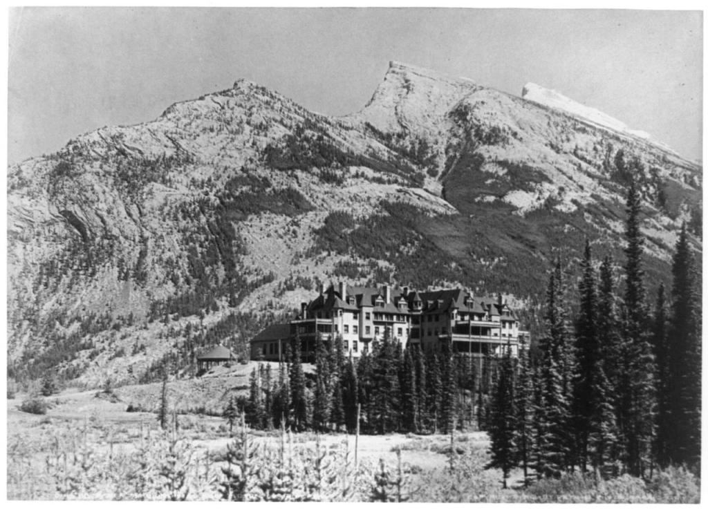 Banff Springs Hotel, 1902.