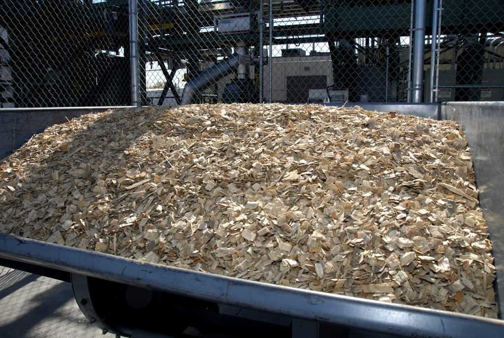 Wood-chips-usedtoproducecellulosicethanol.