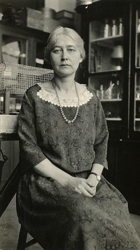Maud Leonora Menten, photo - Smithsonian Institution